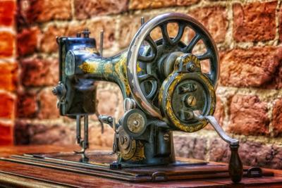 Stock Singer sewing machine