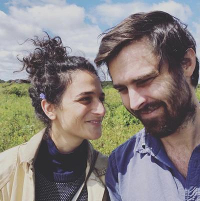 Jenny Slate announces engagement to boyfriend