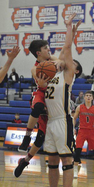 Boys basketball: Steamers take 3rd at Eastland