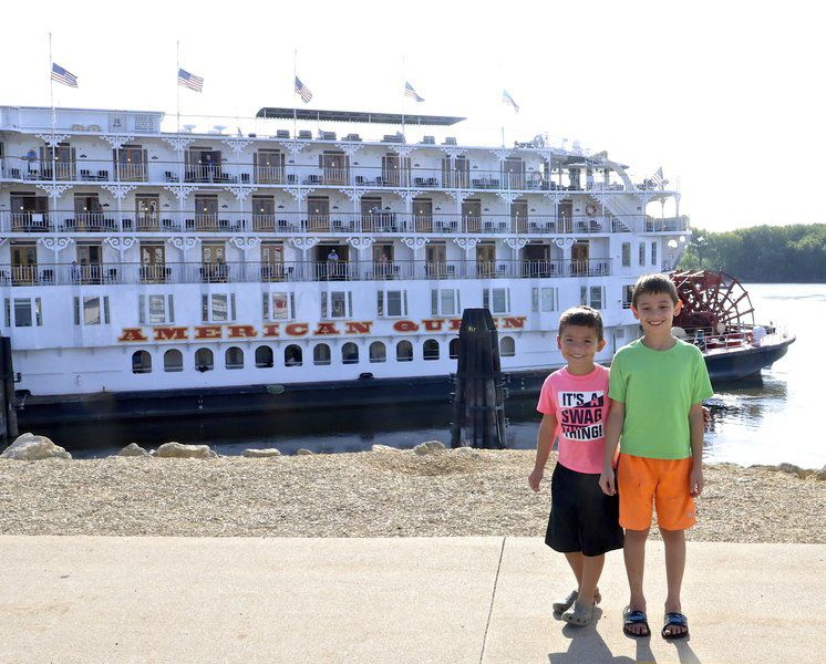 American Queen teaches travelers about the mighty Mississippi