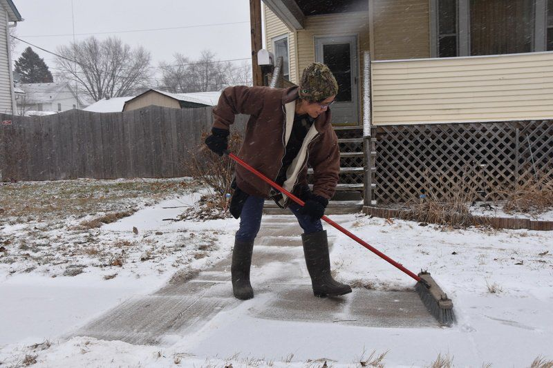 Wintry weather comes to Gateway area