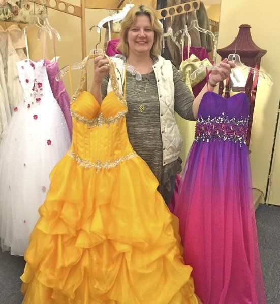 0fa7ba3dae1 Resale stores reel in prom dress shoppers