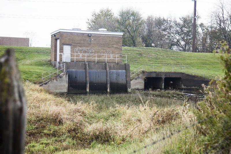 City to seek grant for generator
