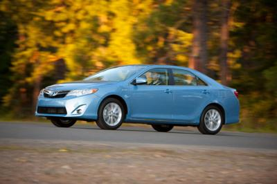 Camry Hybrid Gets Mileage Boost