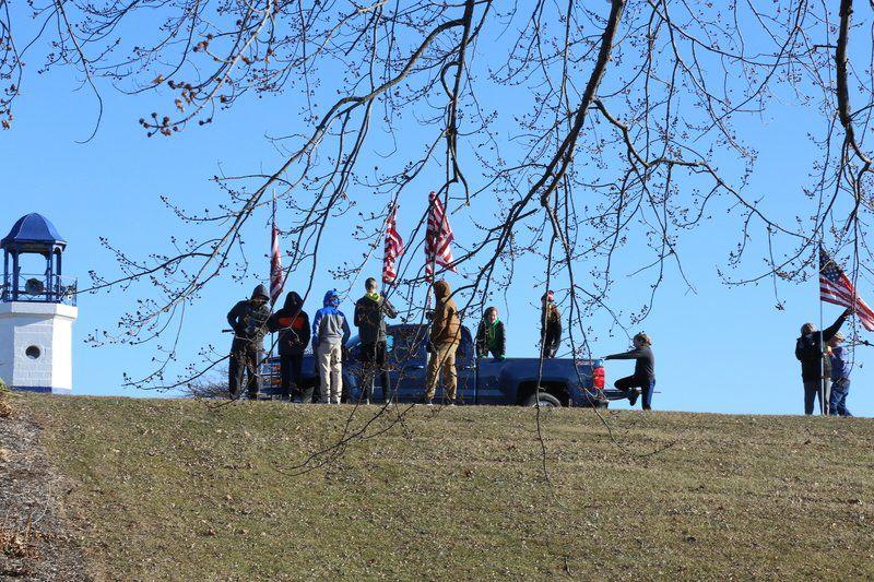 Volunteers, city crews prep Riverview Park for memorial service