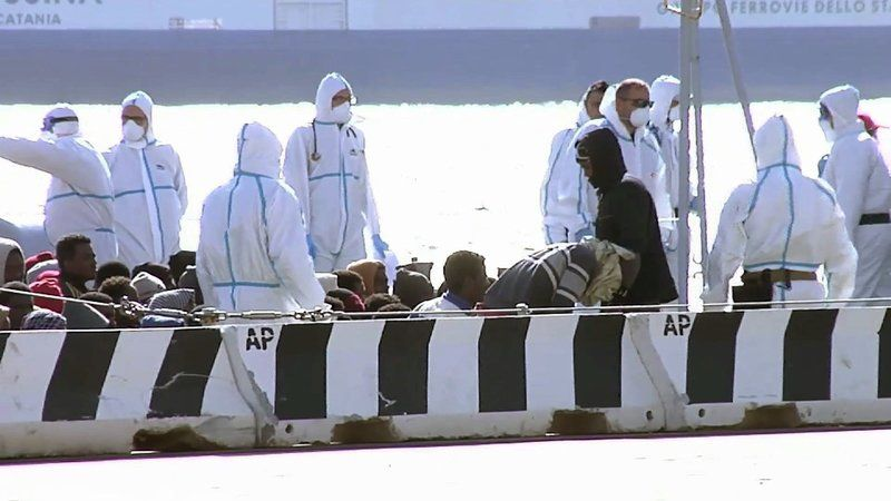 Hundreds feared drowned in Mediterranean Sea