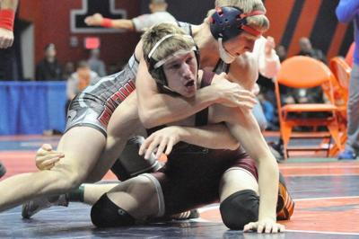 Illinois state wrestling: VanKampen gets dream matchup in semifinals