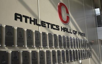 Clinton honors 2018 Hall of Fame Class