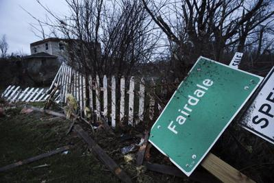 Tornado kills 1, destroys homes in tiny Ill. town