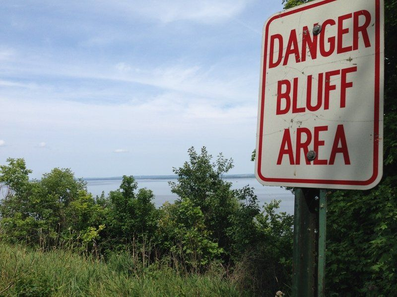 Bluffs incidents don't expose city