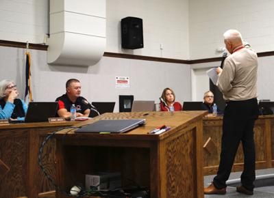 Gary Delacy speaks to school board, Jenny Green, Mike House, Ann Reed, Eric Gettes