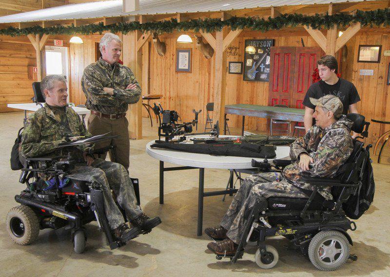 Technology helps quadriplegic Miss  man hunt deer, drive