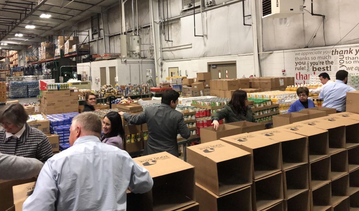Harrisburg food bank volunteers