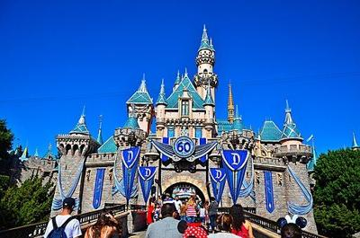 Disneyland reopening plans draw mixed reviews