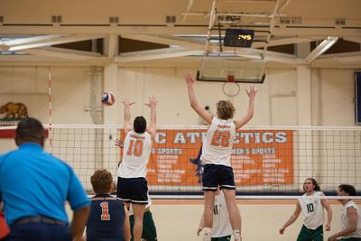 Volleyball continues perfect season