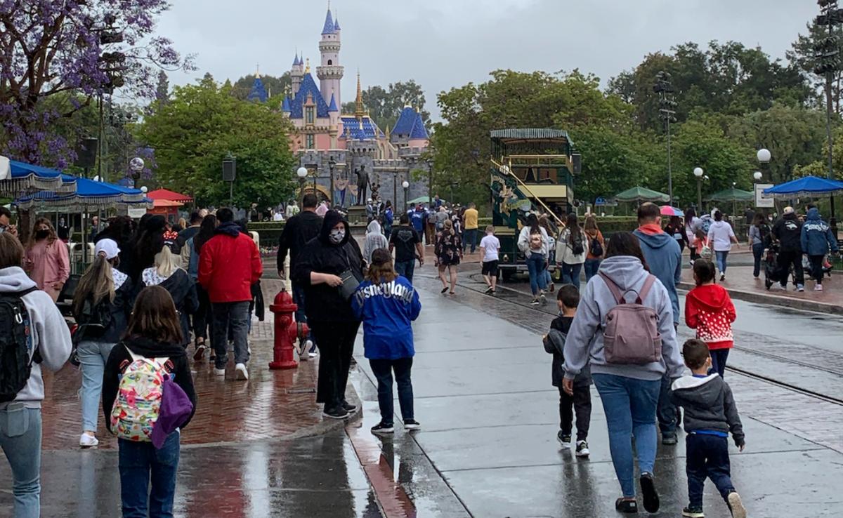 Disneyland COVID 1