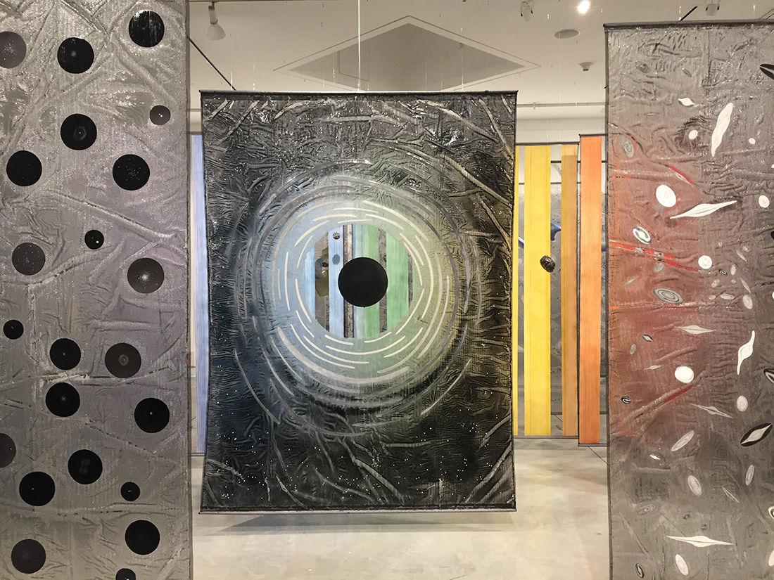 Explore the universe through art - Photo 1