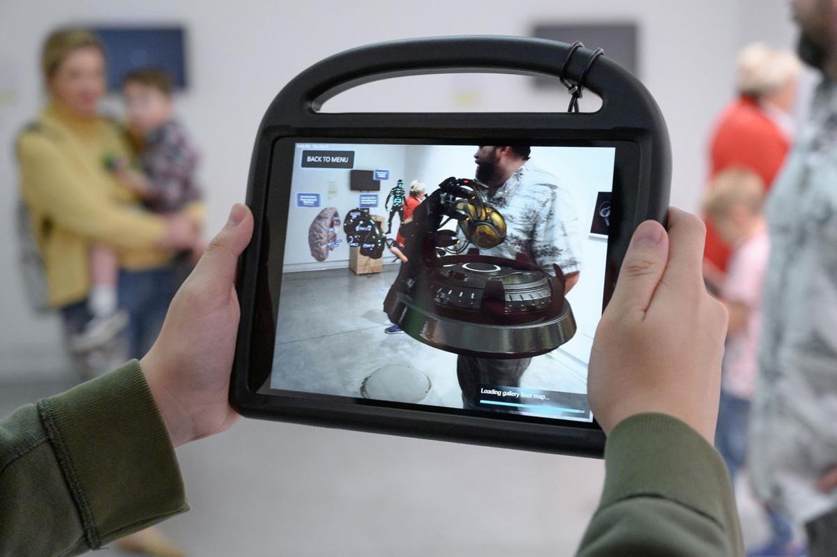 Coast's VR/AR exhibit creates new worlds - Photo 2