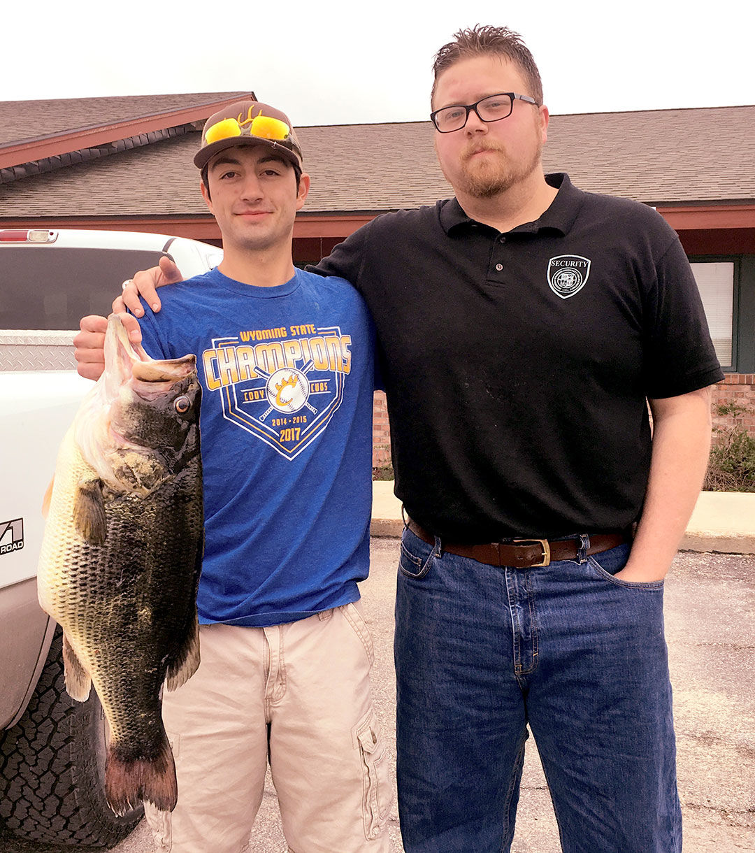 Record-breaking catch: 11 51-lb largemouth bass stuns