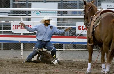 Minor Off To Hot Start In Cody Nite Rodeo Calf Roping Sports