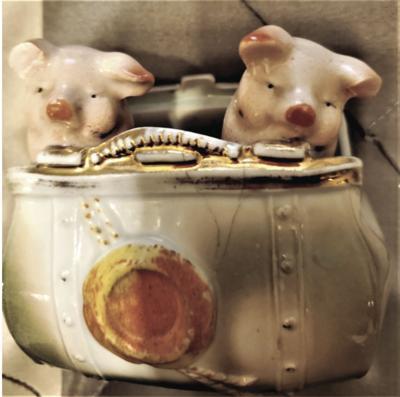 ATHOME-TREASURES-PIGS-MCT