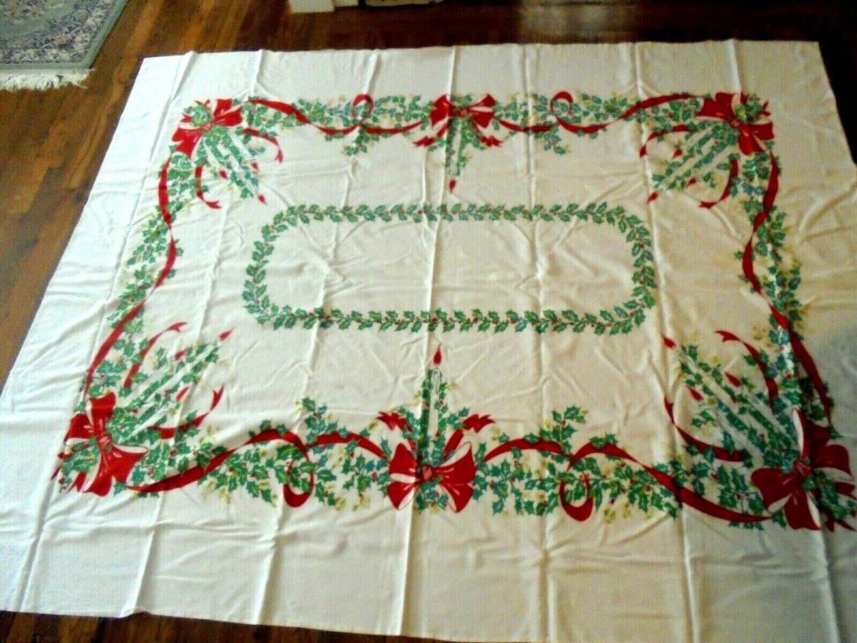 christmas decorations tablecloth.jpg
