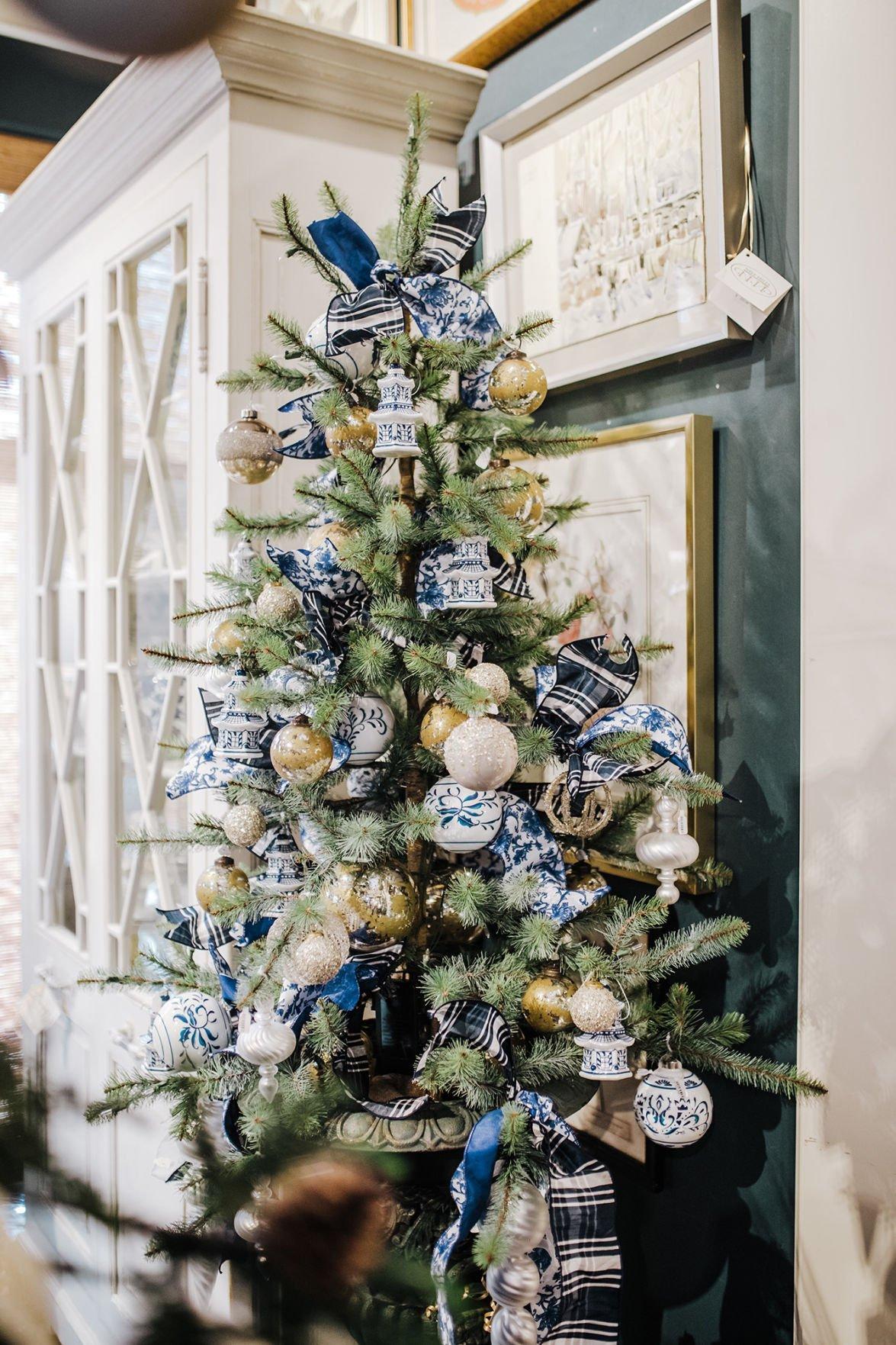 ATHOME-STYLEATHOME-HDY-CHRISTMAS-TREE-1-MCT