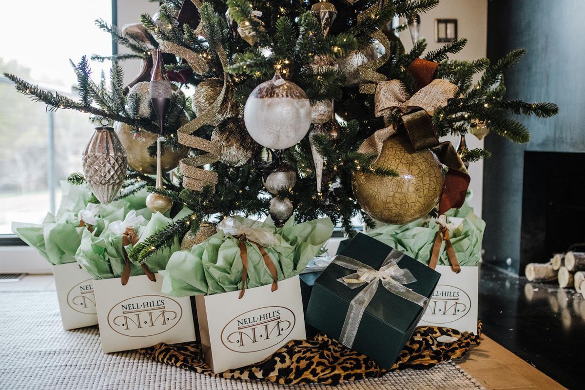 ATHOME-STYLEATHOME-HDY-CHRISTMAS-TREE-2-MCT