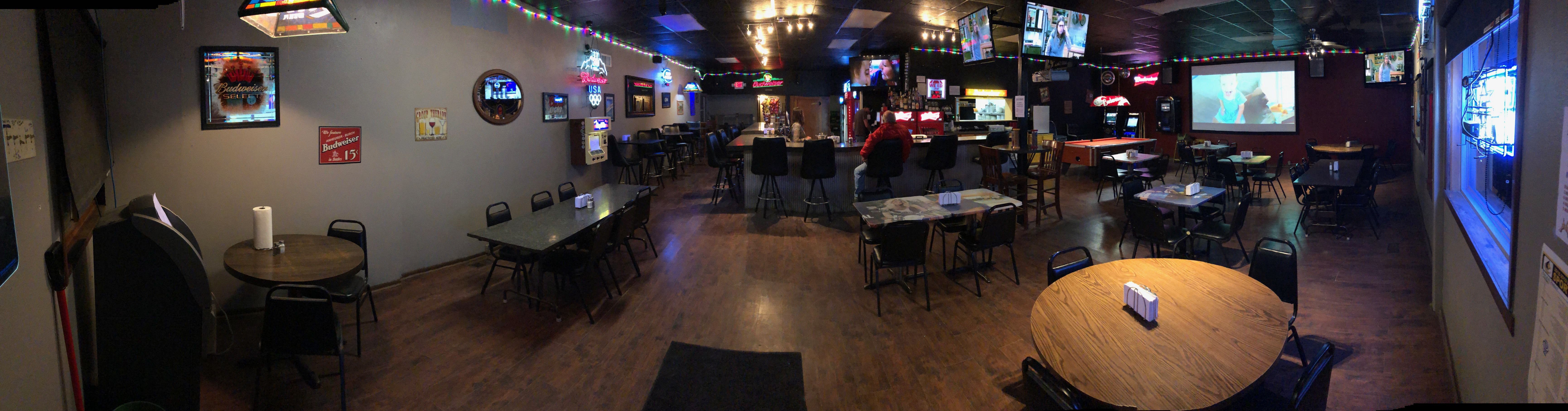 PROFITABLE – BAR & GRILL FOR SALE image 1