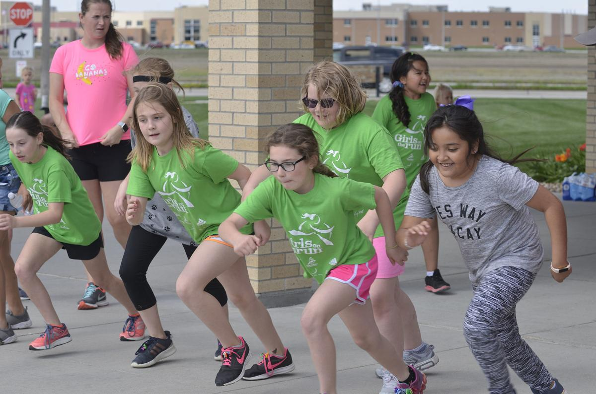 Elementary girls running club looks to expand, inspire | Local |  columbustelegram.com