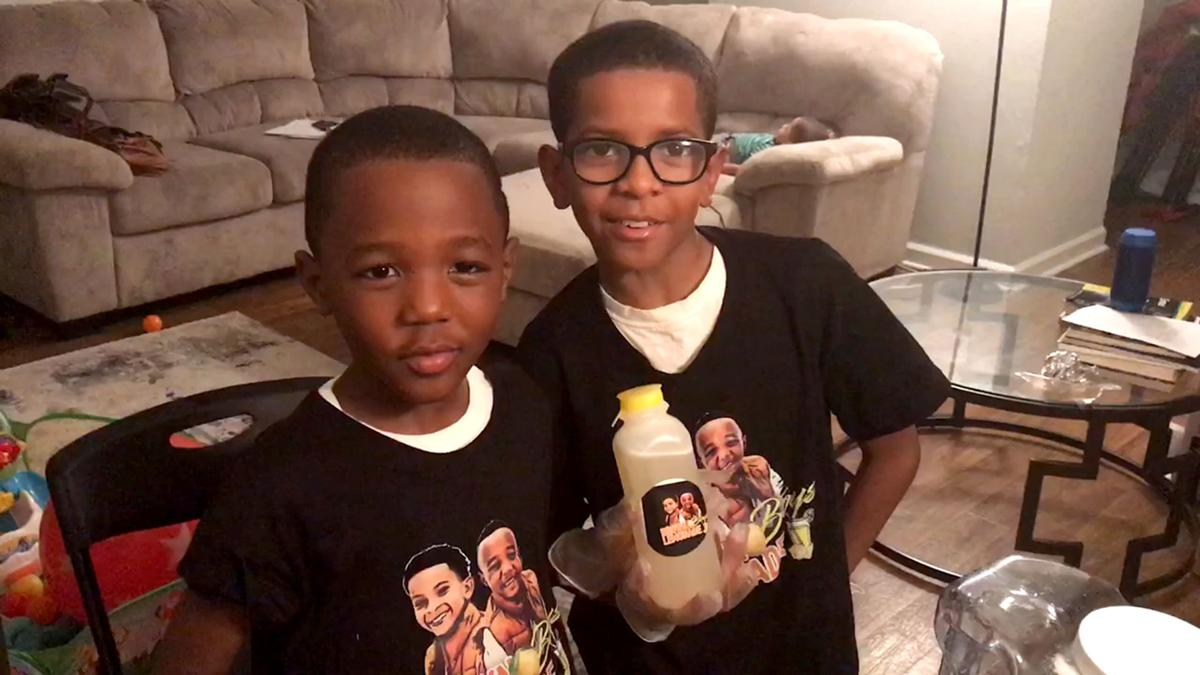 Ja'Den St. Hilaire, Anthony Roberson, lemonade stand, TNS photo