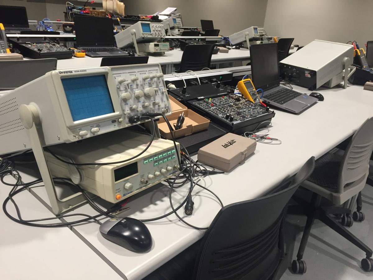 Mechatronics workstation