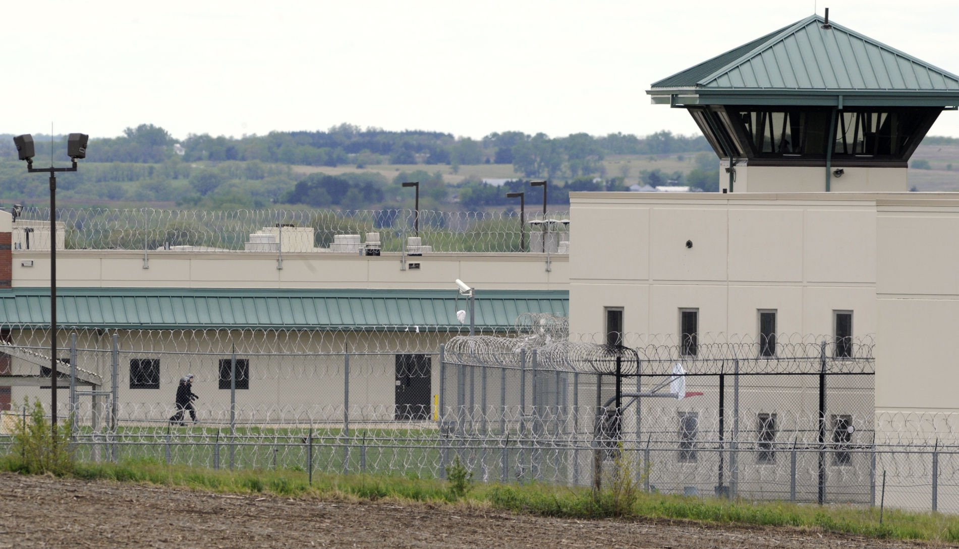 United States civil rights group sues Nebraska prisons for overcrowding