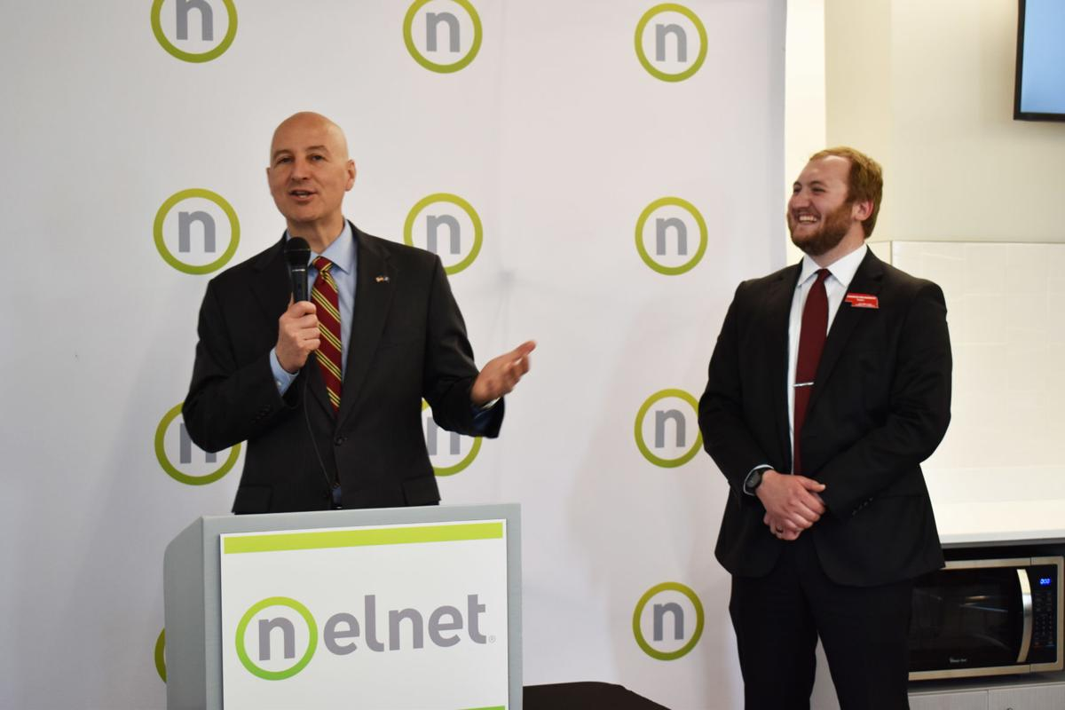 Pete Ricketts in Columbus