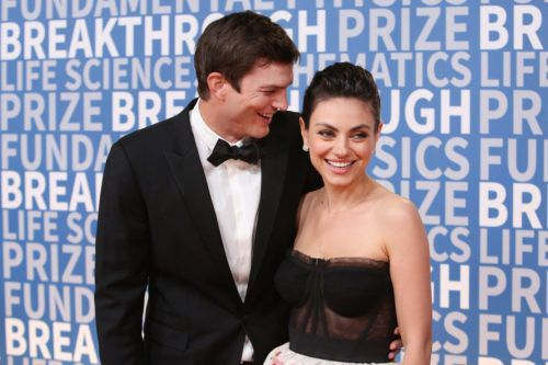 Mila Kunis And Ashton Kutcher Appeared On The Red Carpet Together For The First Time Since 2000