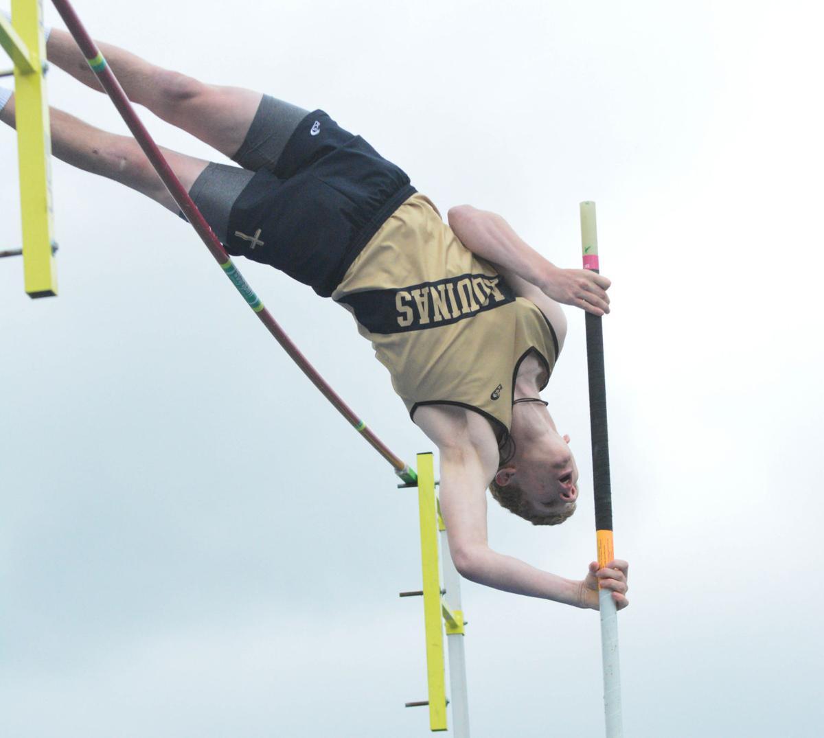 Area tracksters battle in Omaha   Sports   columbustelegram com