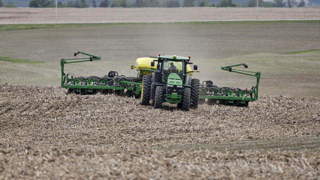 Report: Nebraska farmers could lose close to $1B this year