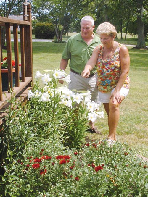 Annual Walk Features 9 Gardens Local