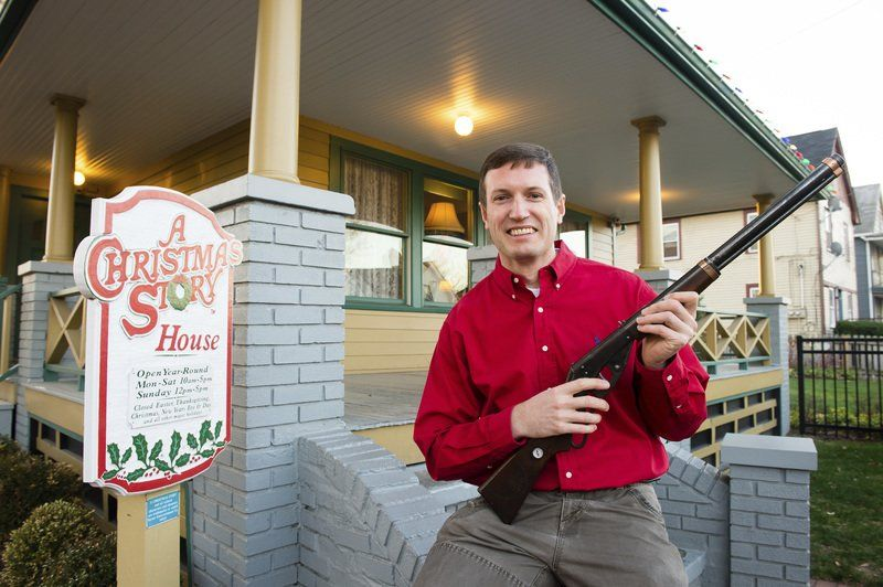 road trippin a christmas story museum gets red ryder gun from movie