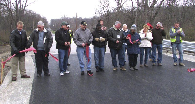 Residents Thankful For New South Griffin Bridge | Local News |  Commercial News.com