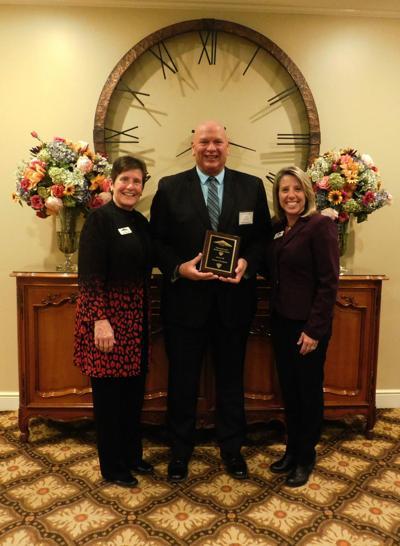 Zelle earns KHI awards