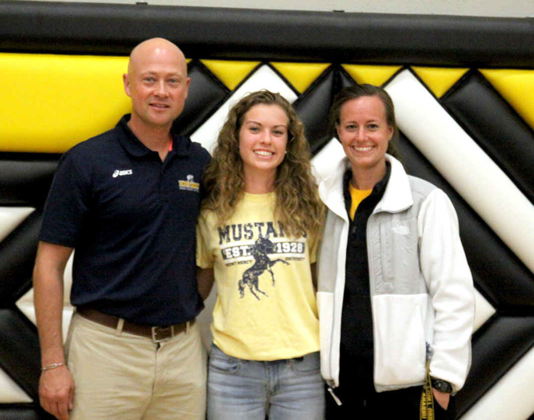 Cp U S Allison Woods Signs With Mount Mercy University
