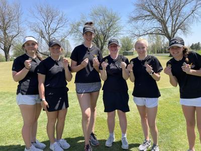 W-SR girls golf team