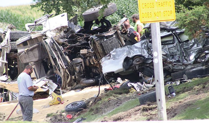 Truck driver dies in crash at Hwy  3 and W Avenue, Oelwein