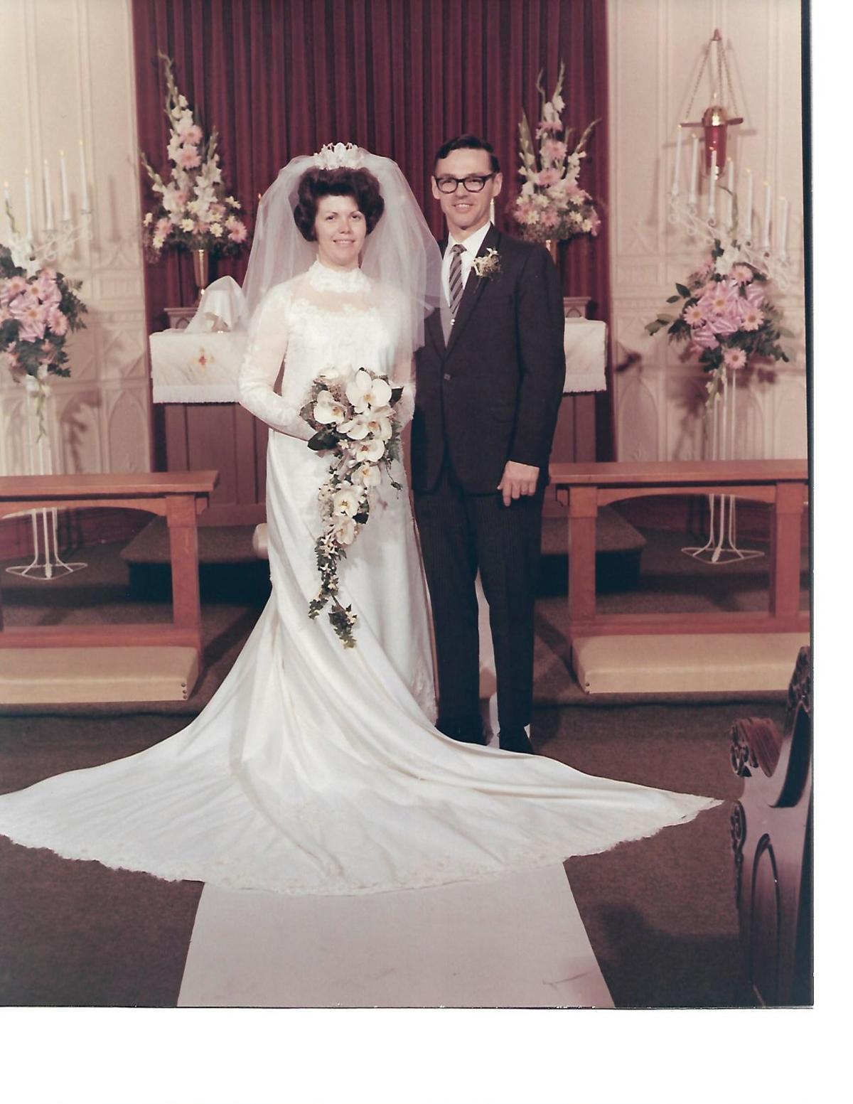 mom dad wedding pic.jpg