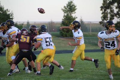 Risse throws pass