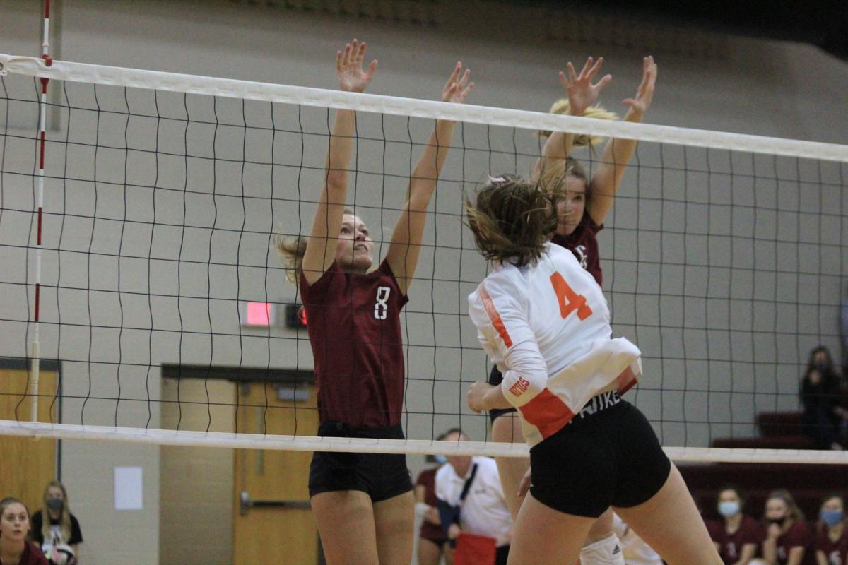 Indee volleyball Elle Greiner & Reese Martin 101720