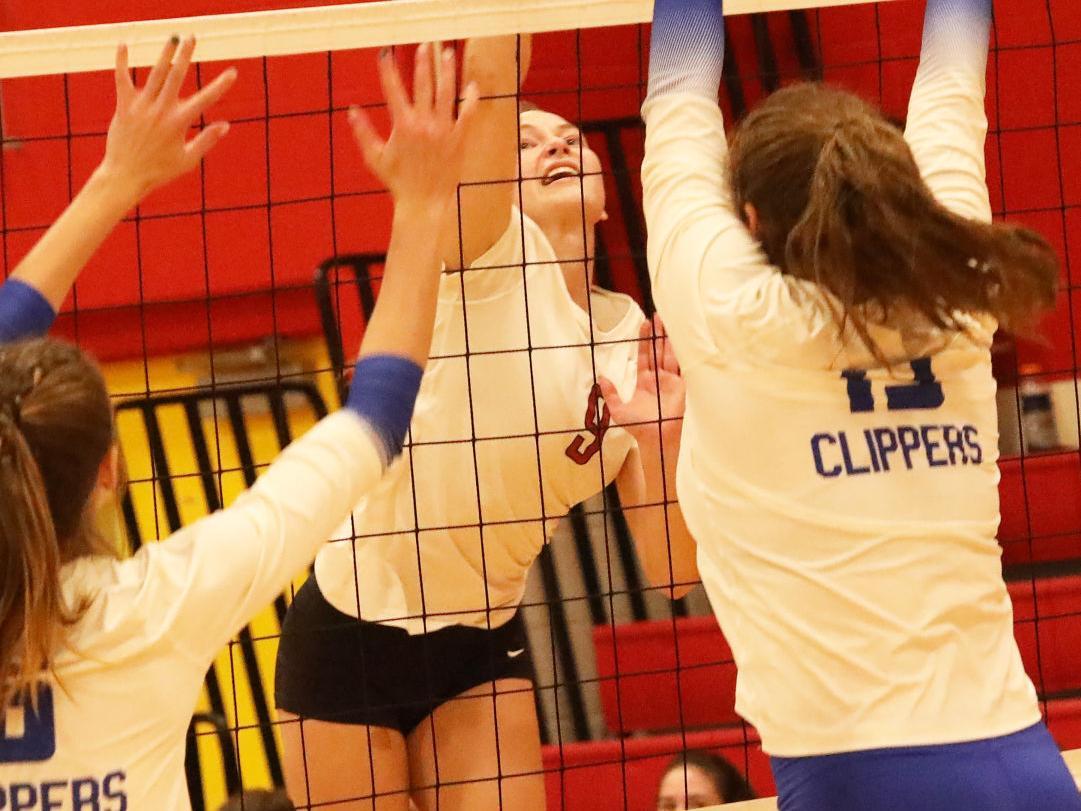 Indee volleyball Katie Henkes 101621