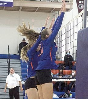 Jesup volleyball Kylie Winter and Leah Becker 091620