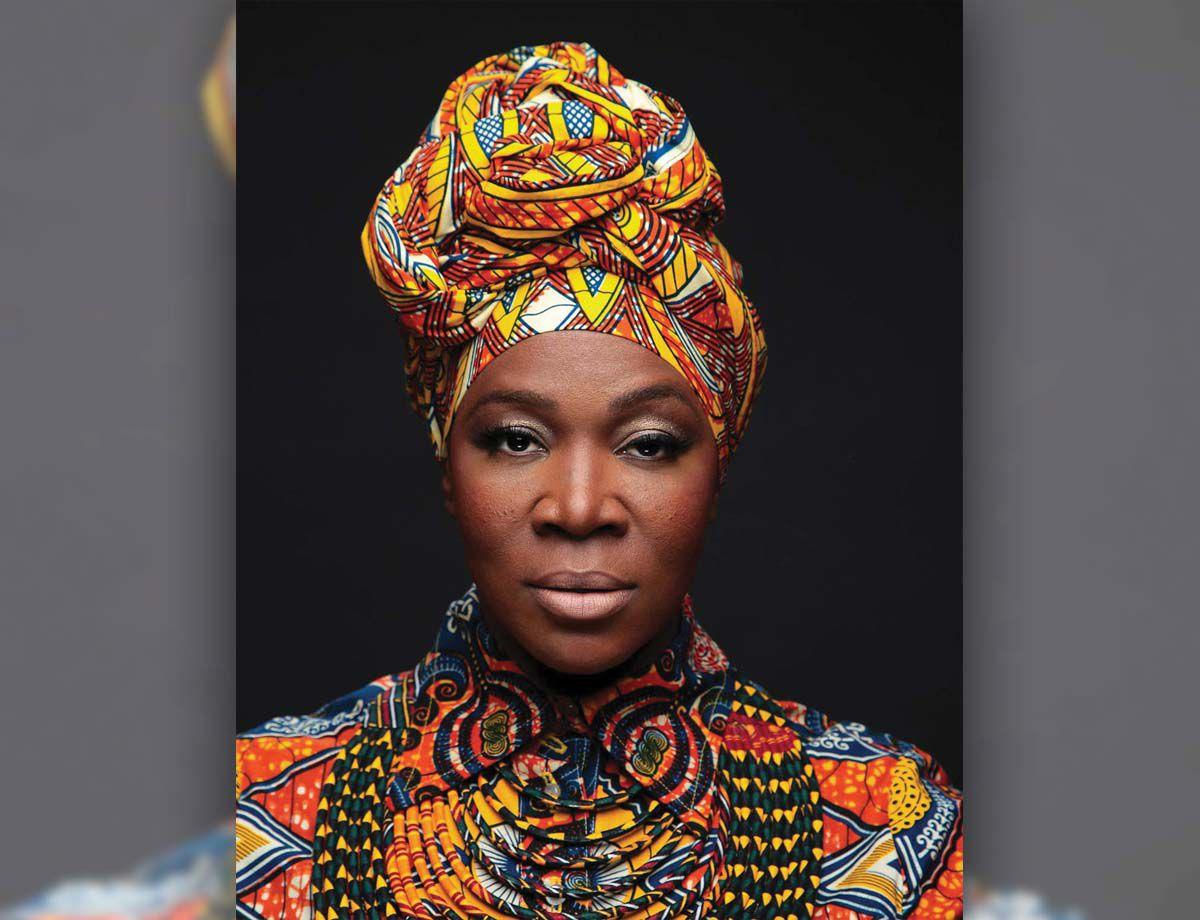 headshot_indiaarie copy.jpg